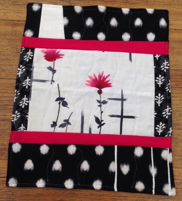 Kimono table mat