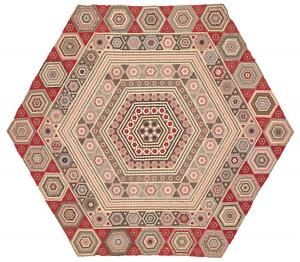 exhi038869-tiony-hexagon-quilt